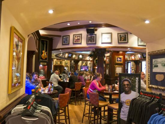 hard rock cafe rome foto de hard rock cafe rome roma. Black Bedroom Furniture Sets. Home Design Ideas
