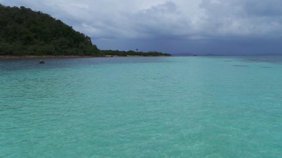 Bang Saphan, Thaïlande : au large lors de la plongée en apnée