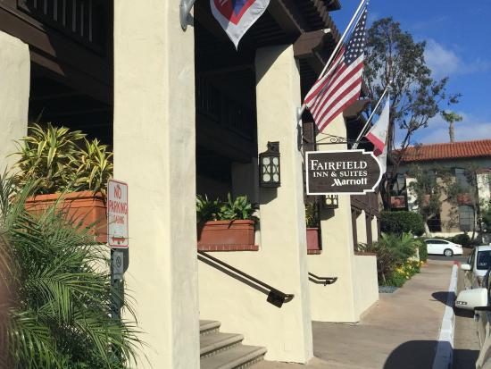 Fairfield Inn & Suites by Marriott San Diego Old Town : Hotel fron entrance