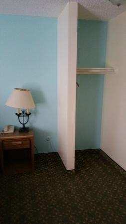 Blue Jay Lodge: Room