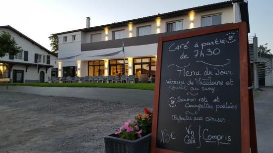 Bistro Gnac E Pause  Saint-lon-les-mines