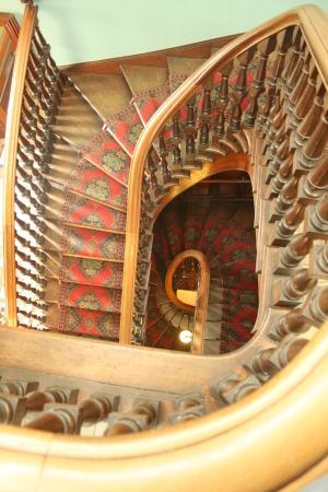 Larnach Castle & Gardens: stair case from the 3rd floor