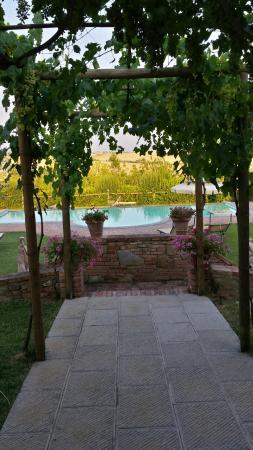 Agriturismo Pratovalle: piscina
