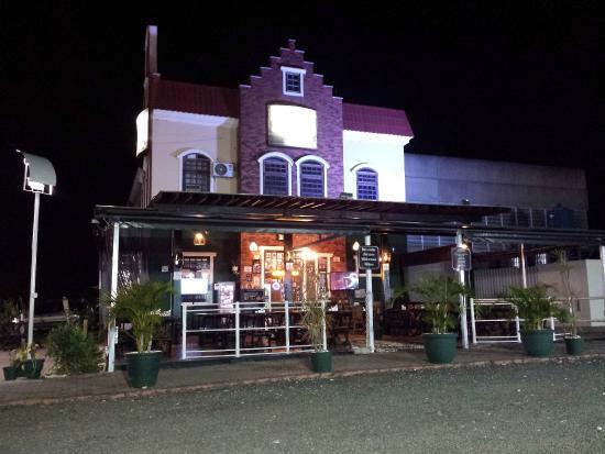 Schornstein Cervejaria e Bar