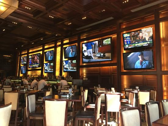 Tvsssss Picture Of Old Town Pour House Chicago Tripadvisor