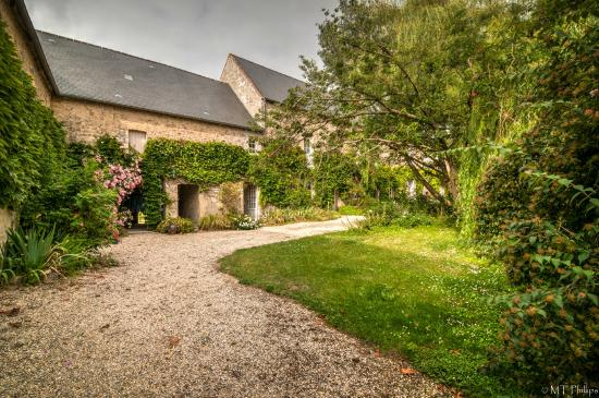 Ferme de Savigny: In the court yard