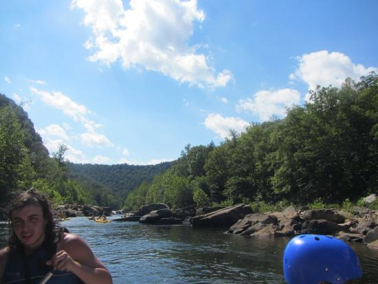 Parsons, Virginia Occidental: The beautiful water we rafted in  (and the rocks we dodged :)