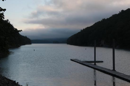 Lake Moomaw: In the early morning fog.