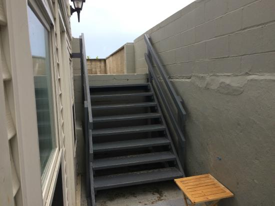 Normandie Oceanfront Motor Inn: Room 25A stairs outside room