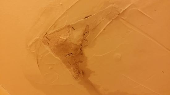 Sugar Beach: Ceiling in bathroom leak