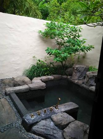 The Banjaran Hotsprings Retreat: Own geothermal hot spring jacuzzi