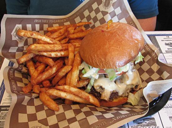 The Wild Blueberry Restaurant: Mushroom Swiss Burger