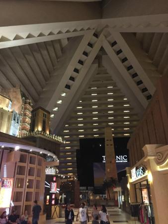 Interior del Hotel - Picture of Luxor Las Vegas, Las Vegas - TripAdvisor