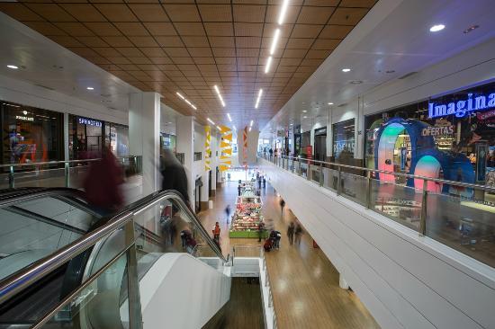 Nervion plaza picture of nervion plaza seville - Centro comercial moda shoping ...