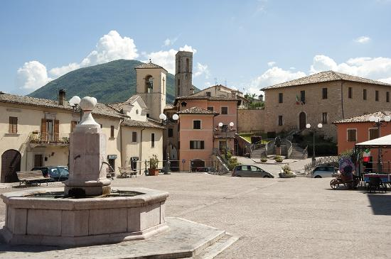 Cerreto di Spoleto, Italia: getlstd_property_photo