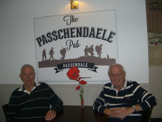 Passendale, België: relaxing after a Tomy Tucker meal and a beer