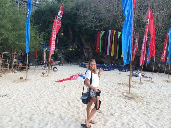 Lullaby Bungalows: Full moon party panang panang beach. Good times!