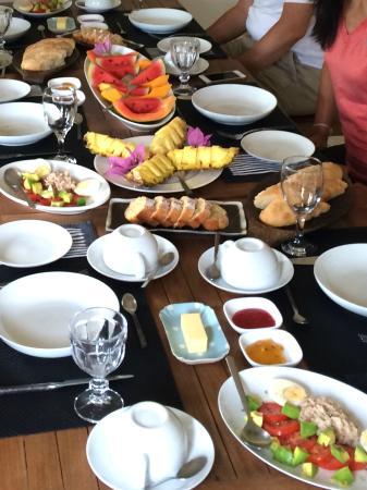 Baramba House: Breakfast table