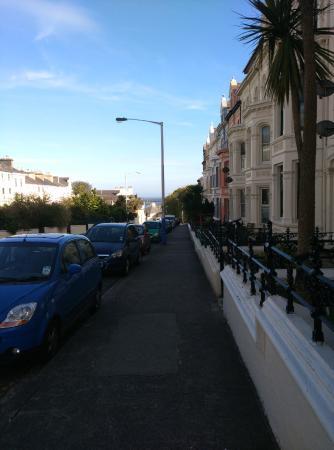 All Seasons: Clifton Terrace, дорога от отеля к морю.