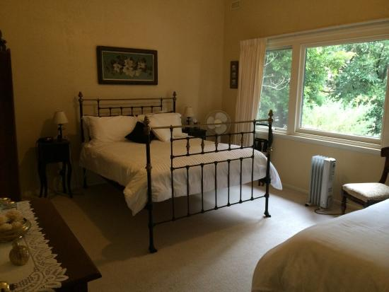 Litchfield Lodge Bed & Breakfast