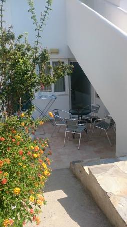 Mandorla Apartments: Вход в номер - студию
