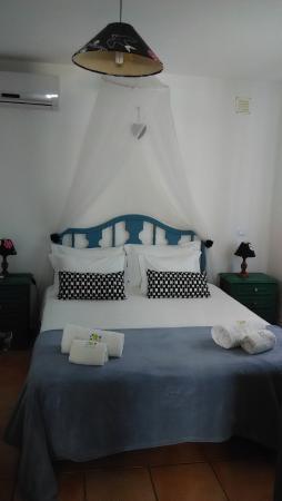 Ferreiras, Portugal: Precioso dormitorio