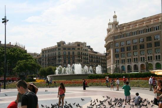 Catalunya Square  Picture of Plaza de Cataluna, Barcelona