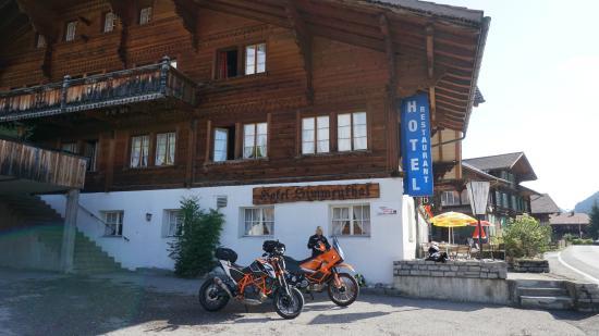 Boltigen, Suiza: Parkplatz
