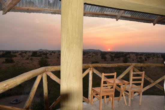 Robanda Tented Camp : The watch tower