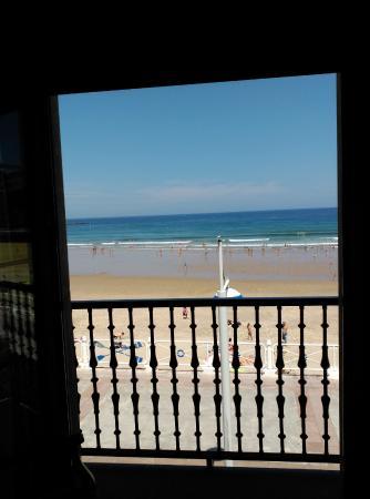 Hotel Ribadesella Playa: DESDE EL BALCON