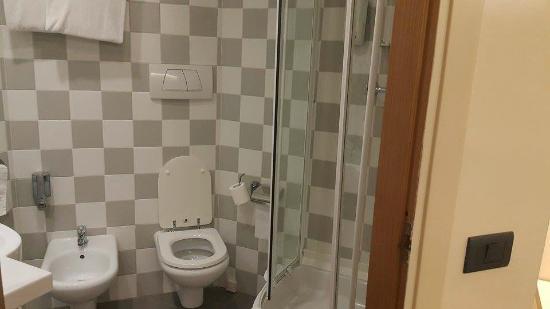 Best Western Hotel Roma Tor Vergata: orta büyüklükte bir banyo