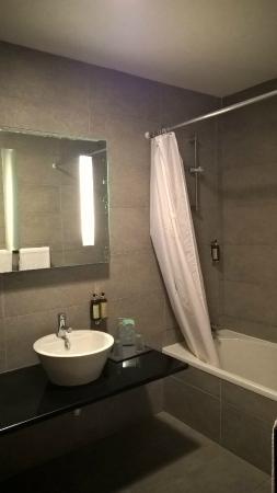 Salle De Bain Sans Fenetre salle de bain sans fenêtre - picture of miravillas hotel, praia de