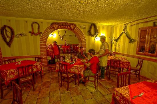Sala da pranzo foto di bar ristorante al buon gustaio - Foto sala da pranzo ...