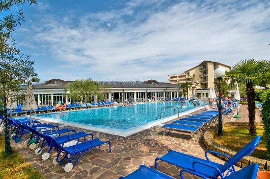 Petrarca Hotel Terme: Piscina dei Delfini