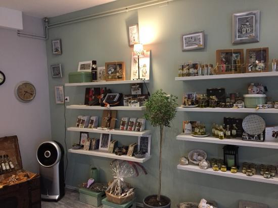Shatro Galeria