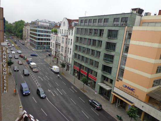 vista da joachimsthaler strasse picture of park plaza berlin kudamm berlin tripadvisor. Black Bedroom Furniture Sets. Home Design Ideas