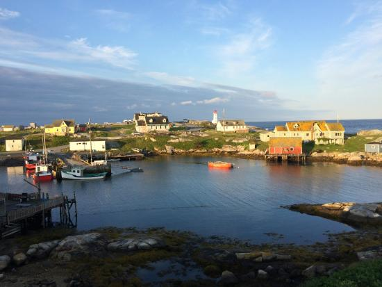 Peggy's Cove Bed & Breakfast: Morning view