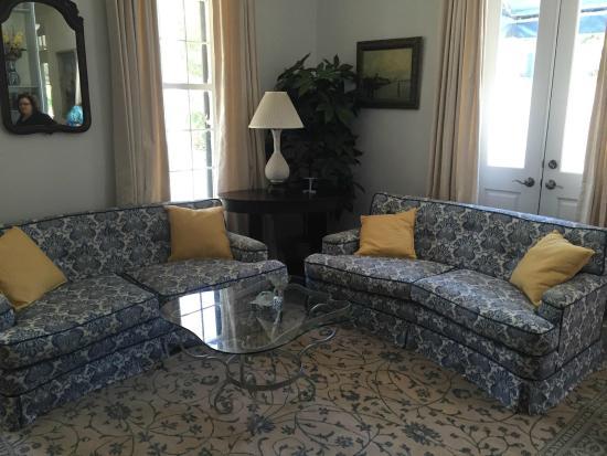 Marcia's Cottages: Living Room