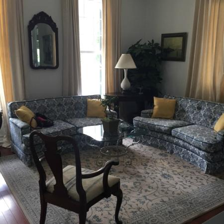 Marcia's Cottages: Living Room