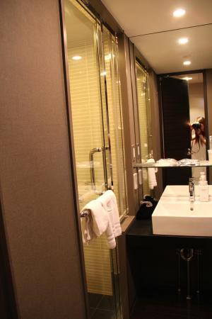 Hotel Brighton City Osaka Kitahama: Nice toilet