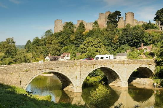 Little Hereford, UK: River Teme and Ludlow Castle