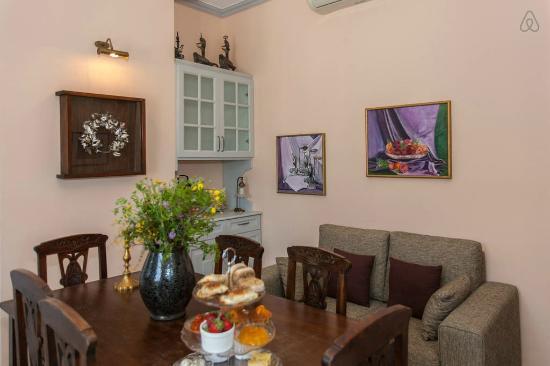 Metohi Georgila: Titika's livingroom