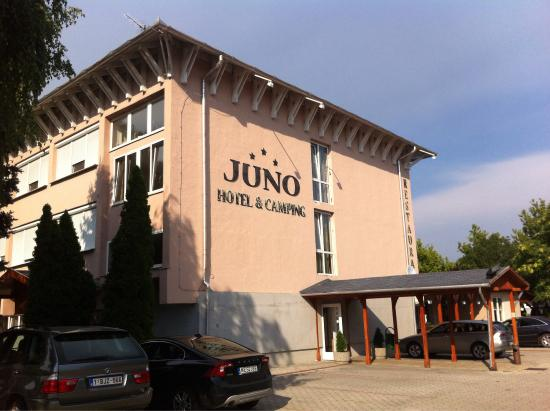 Photo of Juno Hotel Es Camping Komarom