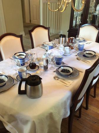 40 Bay Street Bed & Breakfast: Ready for breakfast