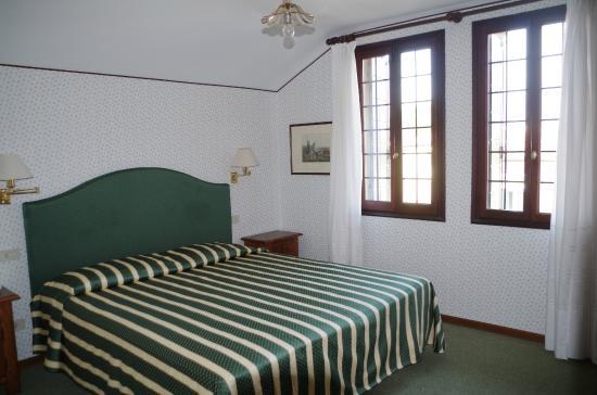 Hotel La Meridiana: Einrichtung, Zimmer 3. Stock