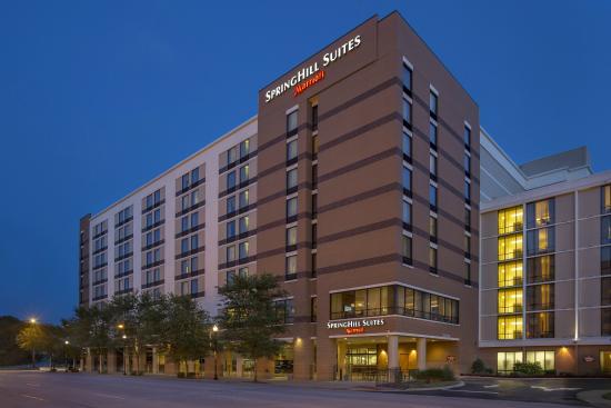 SpringHill Suites Louisville Downtown: Exterior
