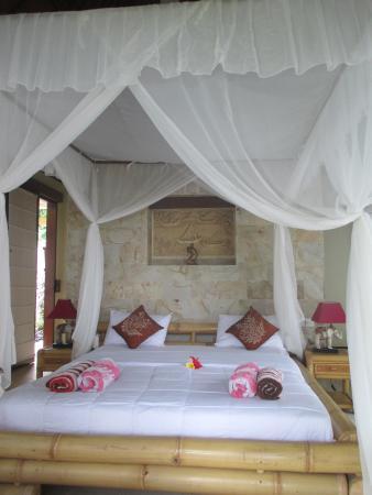 Toyabali Beach Bungalows: Chambre