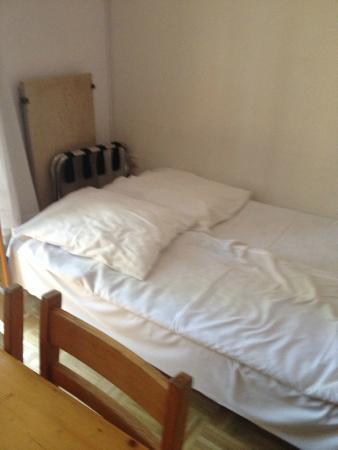 Ferienanlage Terme 3000: le canapé prévu pour deux enfants ados ! une honte..