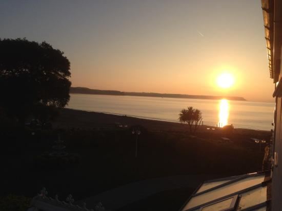 Oxwich Bay Hotel: Sunset from our room