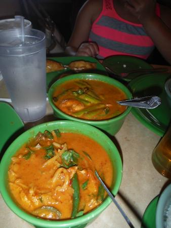 Thai Spice : Spicy Shrimp and Scallop Curry and Red Chicken Curry
